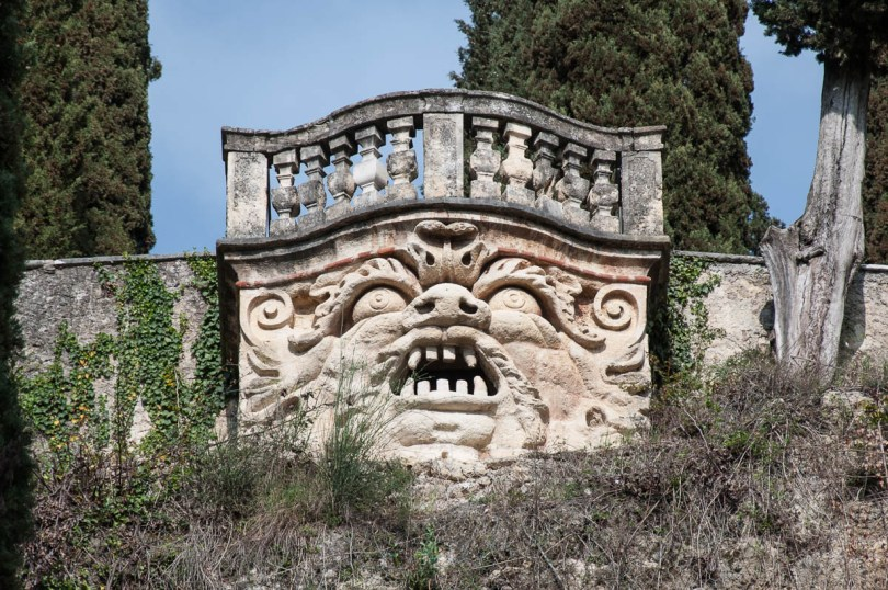 The mask atop of the hill - Giardino dei Giusti - Verona, Veneto, Italy - www.rossiwrites.com
