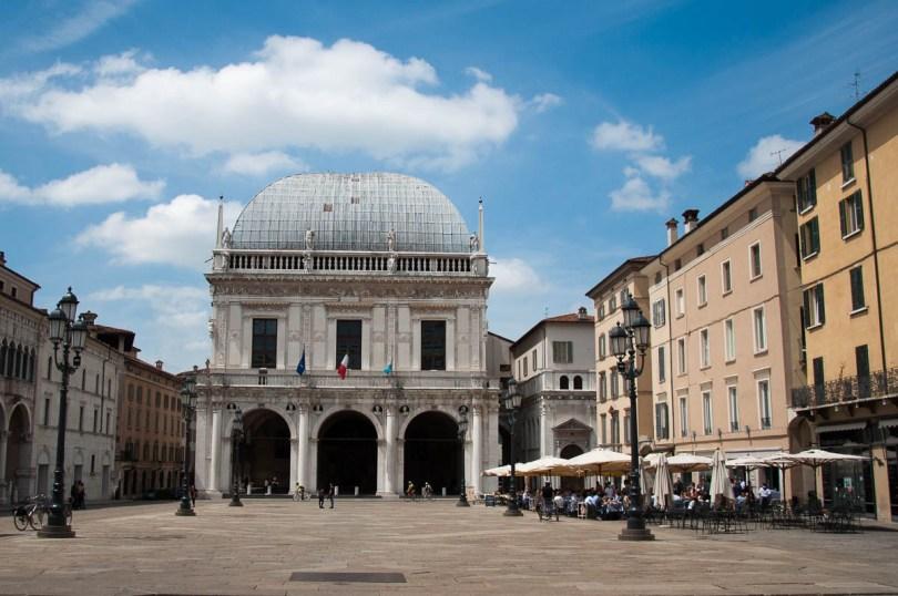 Palazzo della Loggia under a blue sky - Piazza della Loggia - Brescia, Lombardy, Italy - www.rossiwrites.com
