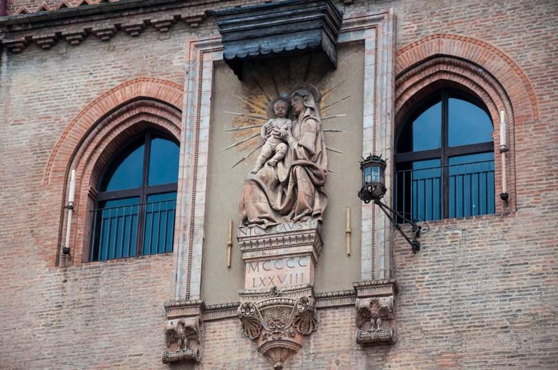 Madonna with Child, a terracotta by Niccolò dell'Arca (1478) - Palazzo d'Accursio, Bologna, Emilia-Romagna, Italy - www.rossiwrites.com