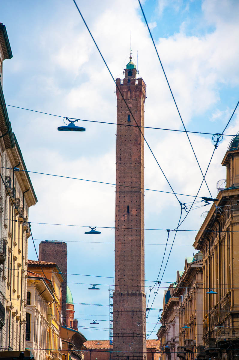 The Tower of Asinelli - Bologna, Emilia-Romagna, Italy - www.rossiwrites.com