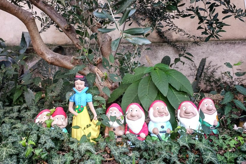 Snow White and the seven dwarfs - Arqua Petrarca, Veneto, Italy - www.rossiwrites.com