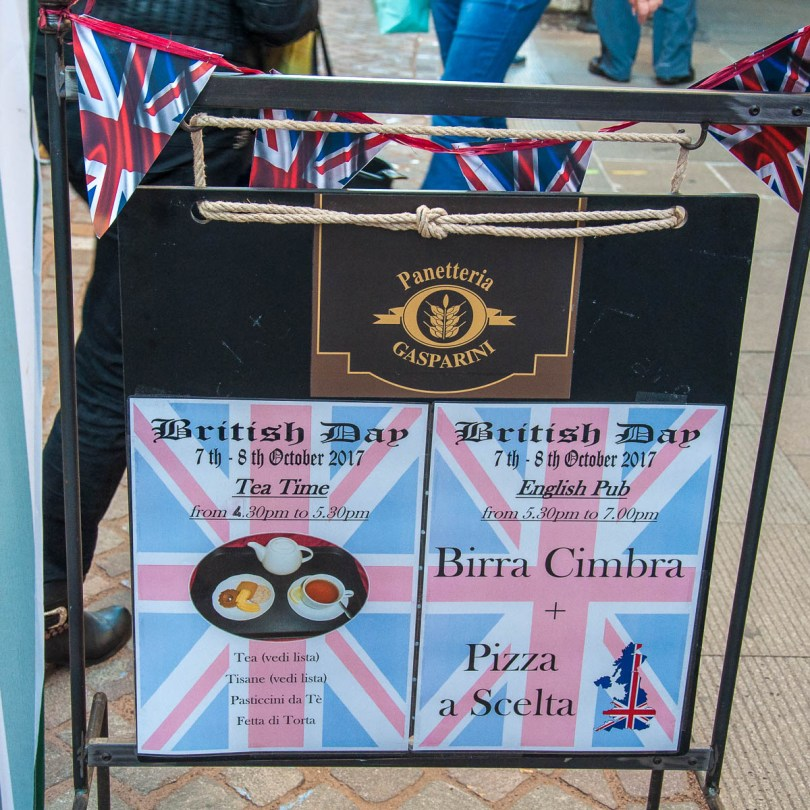The local cafe advertising their British afternoon tea - British Day Schio - Veneto, Italy - www.rossiwrites.com