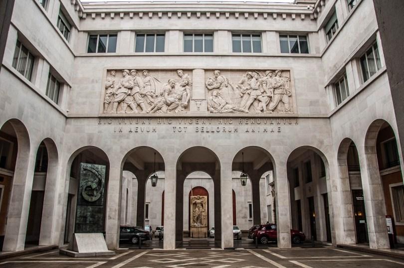 Courtyard - University of Padua - Padua, Veneto, Italy - www.rossiwrites.com