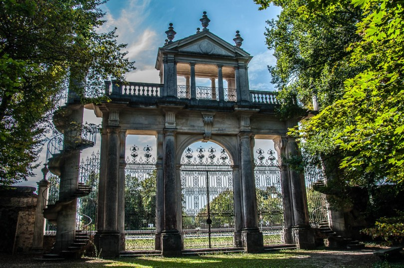 The Belvedere Terrace in the English garden - Villa Pisani, Stra, Veneto, Italy - www.rossiwrites.com