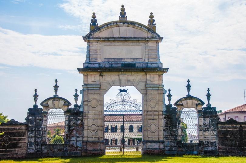 Intricate gate - Villa Pisani, Stra, Veneto, Italy - www.rossiwrites.com