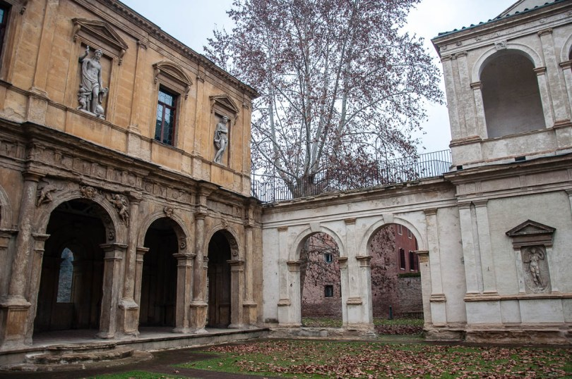 The connection between the Cornaro Loggia and the Odeon - Padua, Veneto, Italy - www.rossiwrites.com