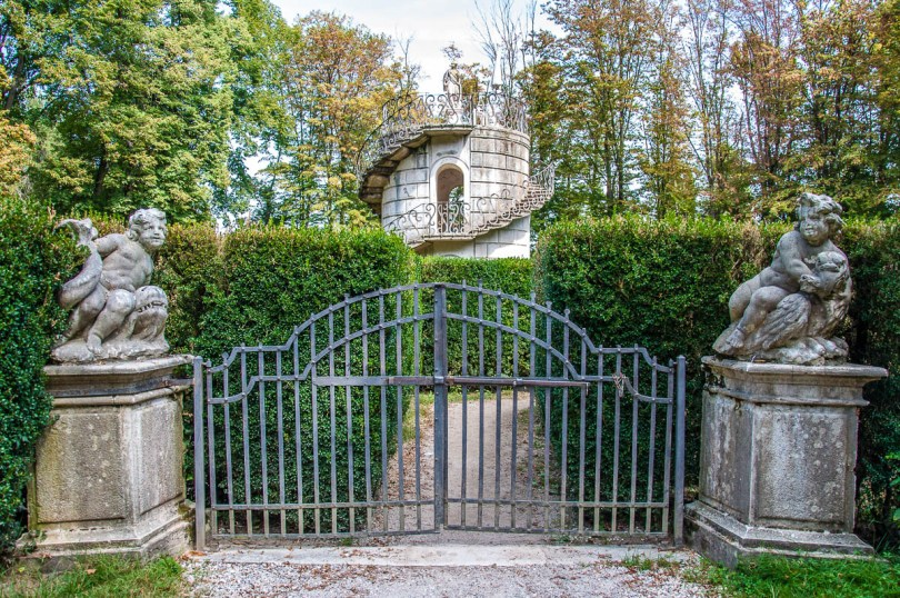 The entrance to the maze - Villa Pisani, Stra, Veneto, Italy - www.rossiwrites.com