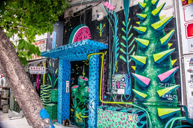 Graffiti - Varna, Bulgaria - www.rossiwrites.com