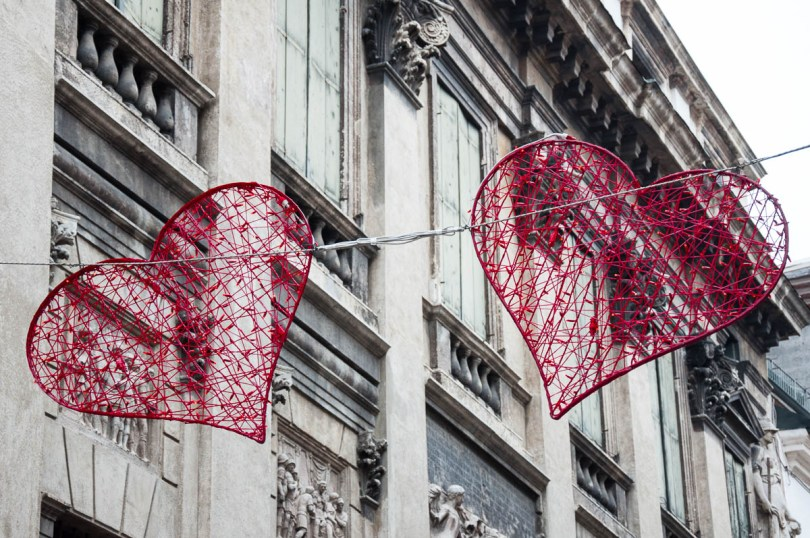 Red Hearts for St. Valentine adorn Corso Fogazzaro in Vicenza, Italy - www.rossiwrites.com