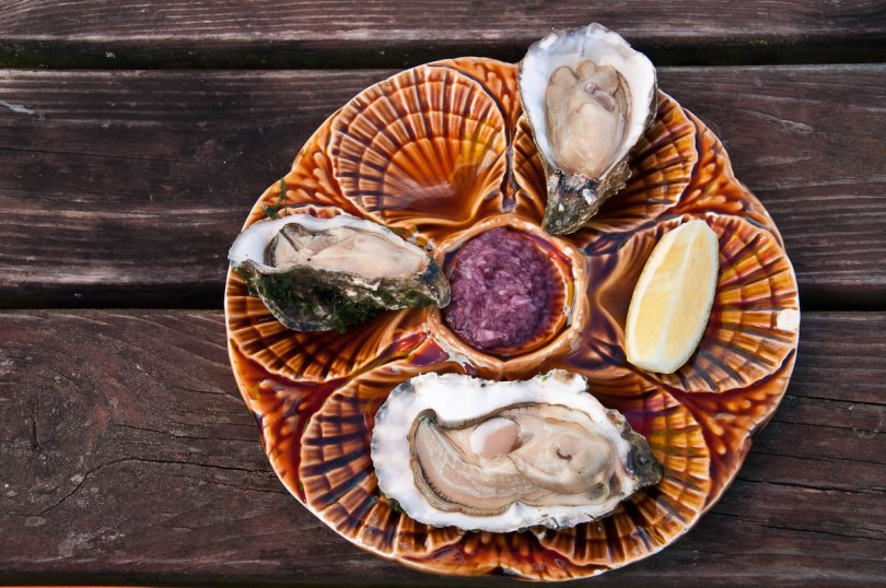 The perfect plate of oysters - Island of Mersea, Colchester, Essex, England - www.rossiwrites.com