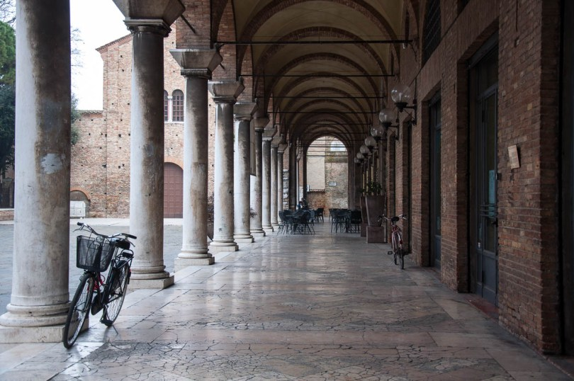 Portico - Ravenna, Italy - www.rossiwrites.com