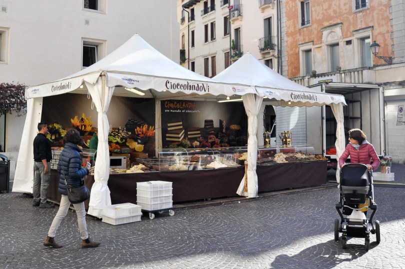 Market stall selling artisan chocolate - Vicenza, Italy - rossiwrites.com