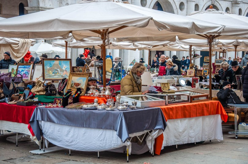 Market traders at the monthly antiques market - Vicenza, Veneto, Italy - www.rossiwrites.com