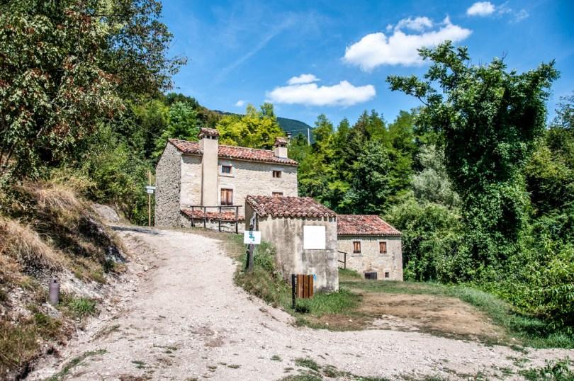 Borgo dello Scalpellino - Grotte di Caglieron, Fregona, Veneto, Italy - www.rossiwrites.com