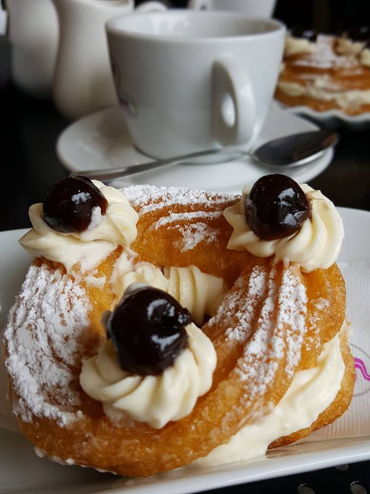 Zeppolle di San Giuseppe for the Italian Father's Day - Vicenza, Italy - rossiwrites.com