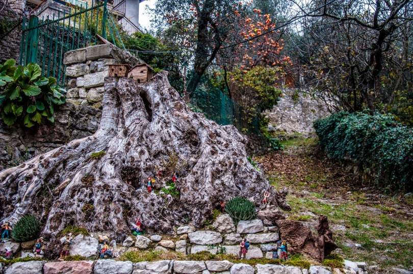 Nativity scene at the entrance to the village - Campo di Brenzone, Lake Garda, Italy - www.rossiwrites.com
