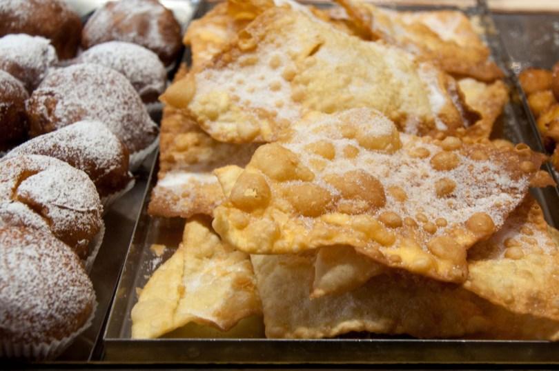 Carnival sweets - Pasticceria Soraru - Vicenza, Veneto, Italy - www.rossiwrites.com