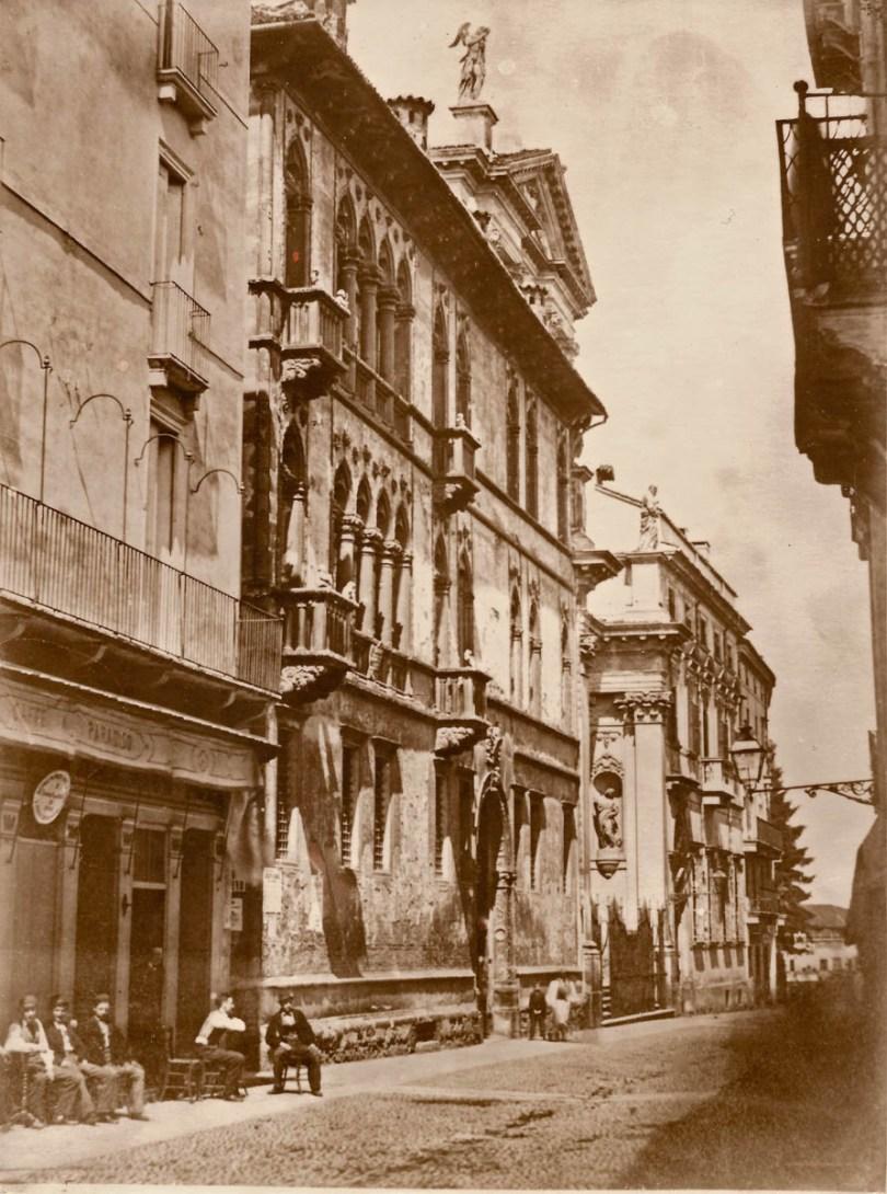 The old pasticceria on Corso Principe Umberto - Pasticceria Soraru - Vicenza, Veneto, Italy - www.rossiwrites.com