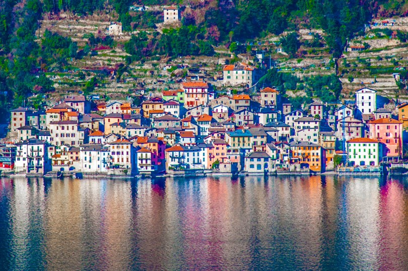 A small town on the shores of Lake Como - Lombardy, Italy - www.rossiwrites.com