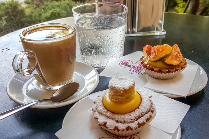 Caffe crema with Italian pasticceria mignon - Vicenza, Italy - www.rossiwrites.com