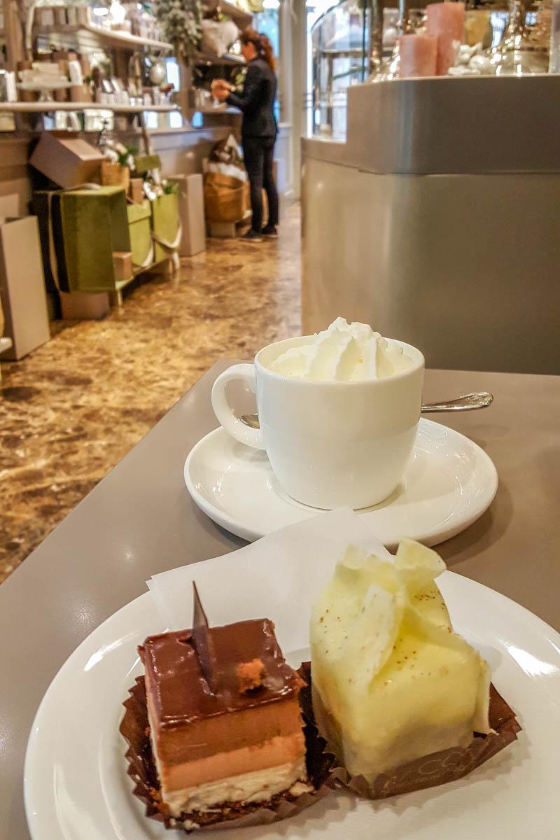 Coffee with Italian pasticceria mignon - Padua, Italy - www.rossiwrites.com