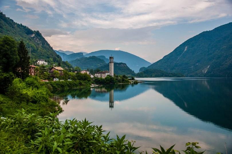 Lago del Corlo - Veneto, Italy - rossiwrites.com