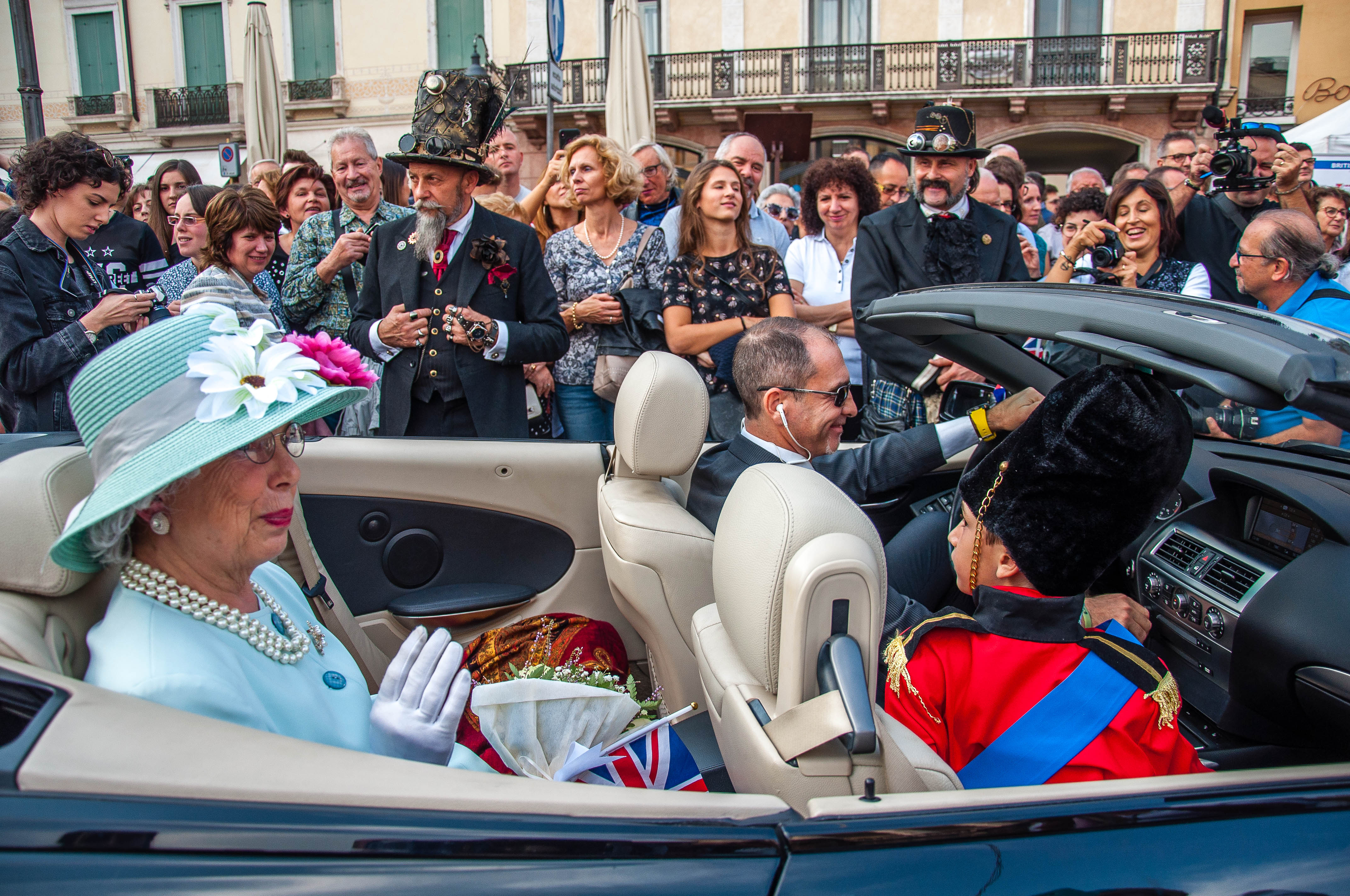Queen Elizabeth - Parade at British Day Schio - Schio, Veneto, Italy - rossiwrites.com