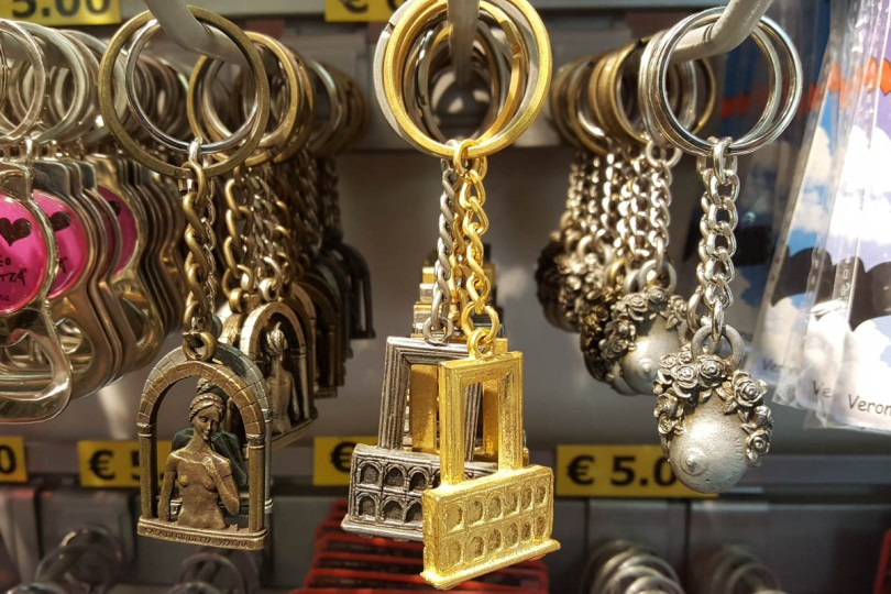 Cheap souvenirs - Verona, Veneto, Italy - rossiwrites.com