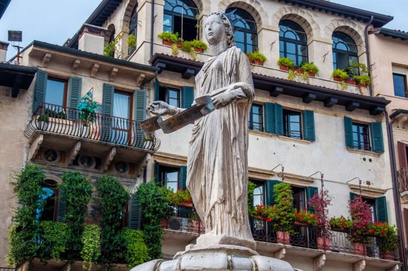Madonna Verona fountain at Piazza delle Erbe - Verona, Veneto, Italy - rossiwrites.com