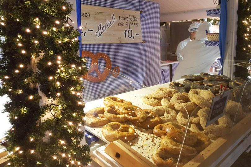 Stall selling pretzels - Padua, Veneto, Italy - rossiwrites.com