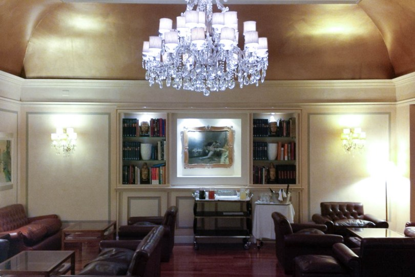 The lounge of Hotel Accademia - Verona, Veneto, Italy - rossiwrites.com