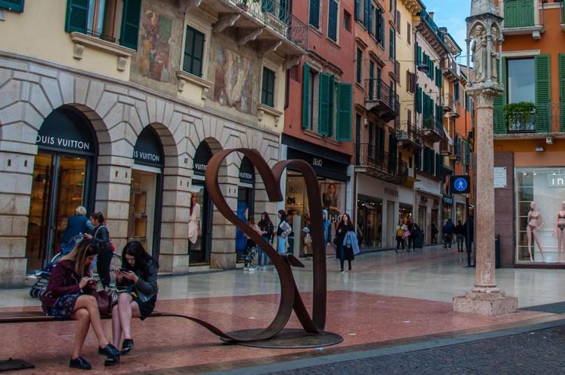 View of Via Mazzini - Verona, Veneto, Italy - rossiwrites.com