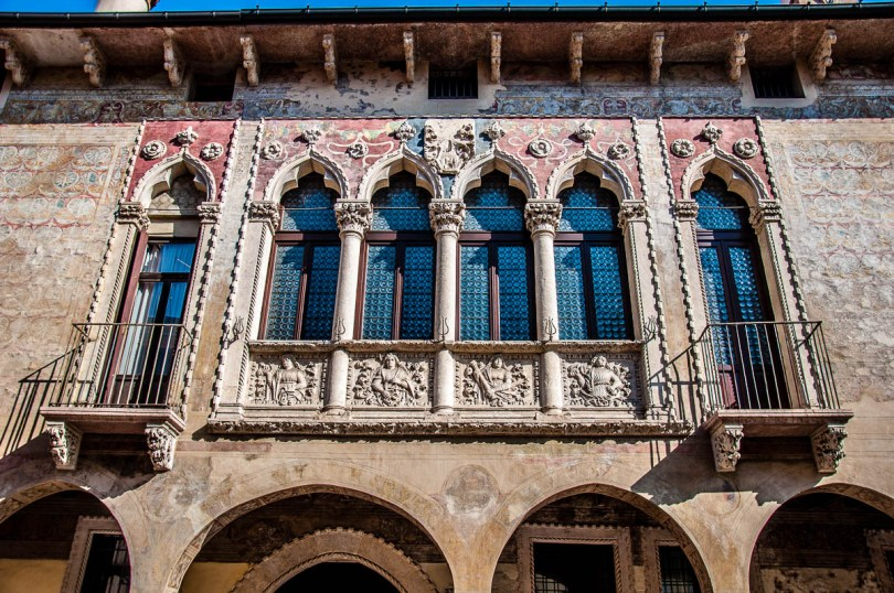 The facade of Palazzo Righetti - Vicenza, Italy - www.rossiwrites.com
