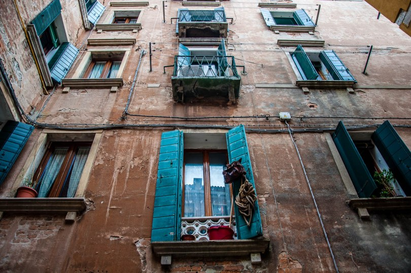 Venetian windows - Venice, Italy - rossiwrites.com
