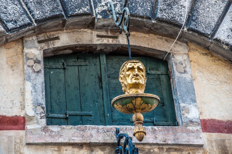 A wooden head - Venice, Italy - rossiwrites.com