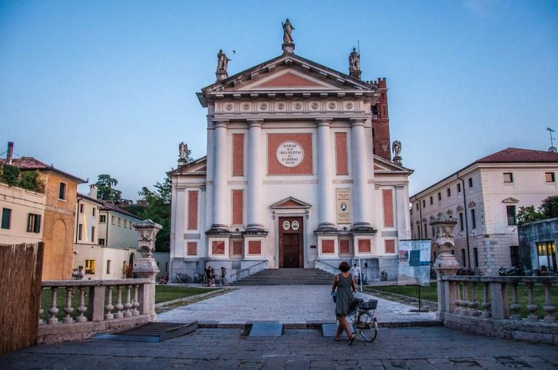 Piazza San Liberale - Castelfranco Veneto - Veneto, Italy - rossiwrites.com