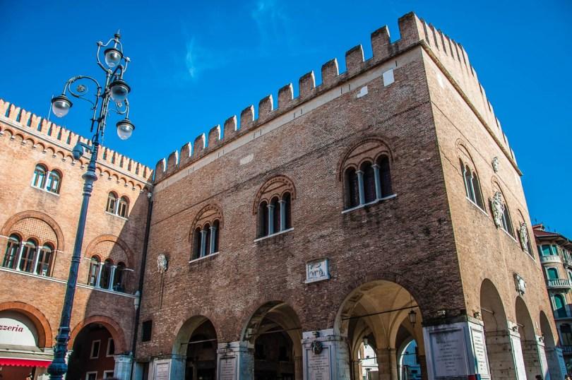 Piazza dei Signori - Treviso - Veneto, Italy - rossiwrites.com