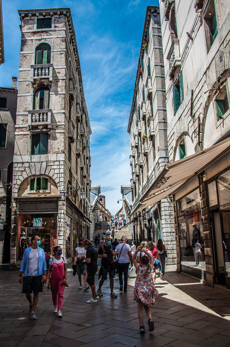 Salizzada Pio X leading to Rialto Bridge - Venice, Italy - rossiwrites.com