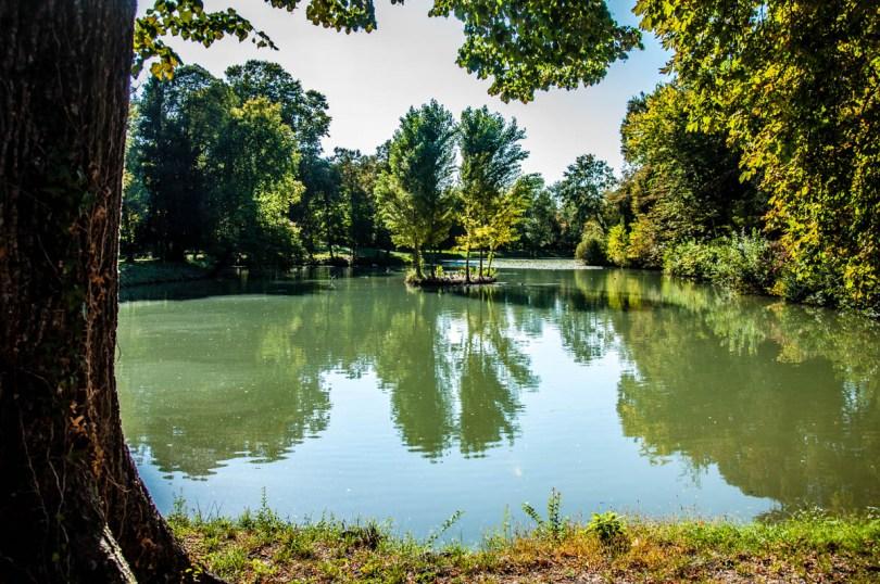 The pond - Parco Villa Bolasco - Castelfranco Veneto, Italy - www.rossiwrites.com
