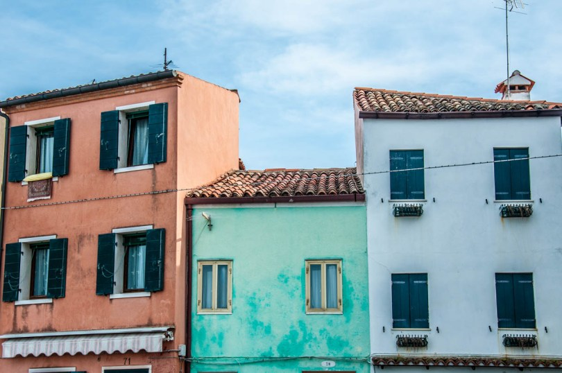 Colourful houses - Pellestrina, Veneto, Italy - rossiwrites.com