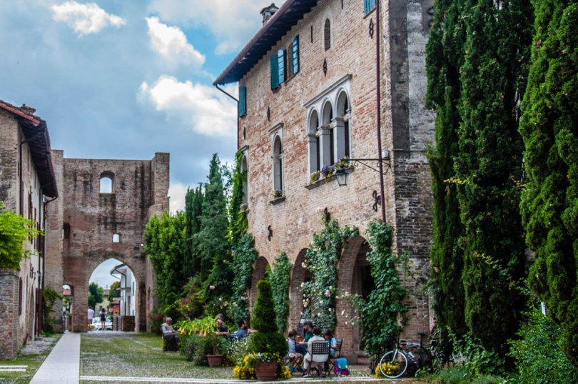View of the cafe in the fortified village - Cordovado, Friuli Venezia Giulia, Italy - rossiwrites.com