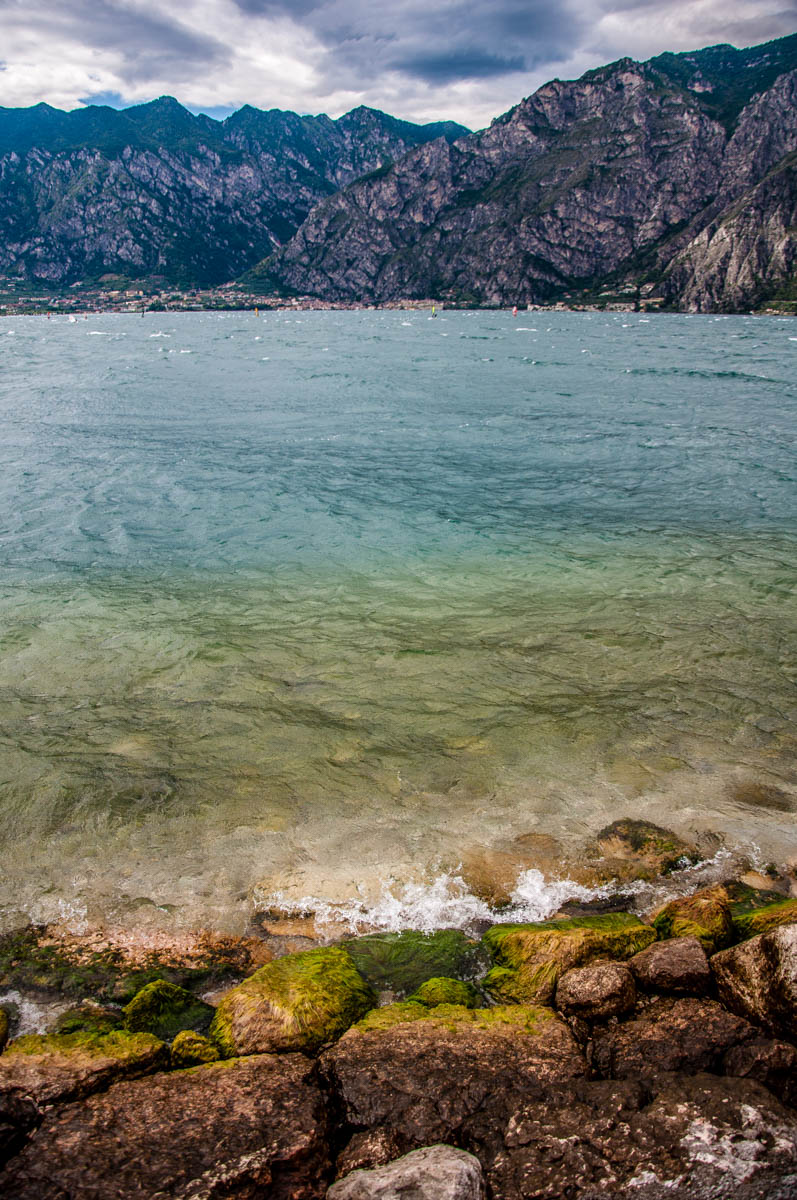 The many shades of the waters of Lake Garda - Veneto, Italy - rossiwrites.com
