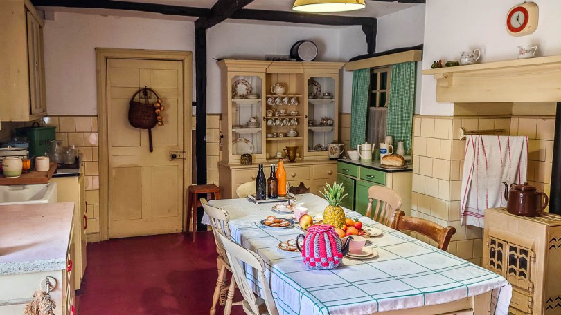 Vintage kitchen - Kent Life - Maidstone, Kent, England - rossiwrites.com