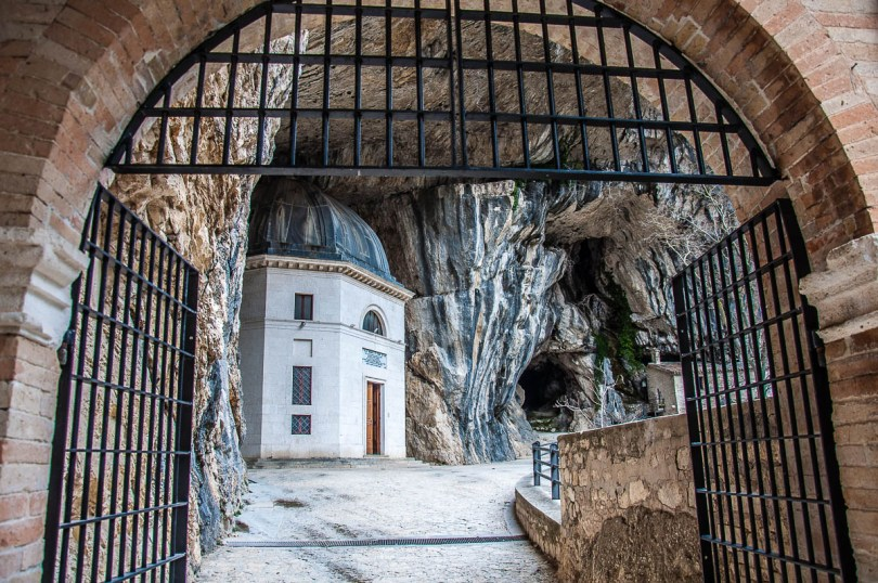 First look at the Valadier Temple - Frasassi Caves, Italy - rossiwrites.com