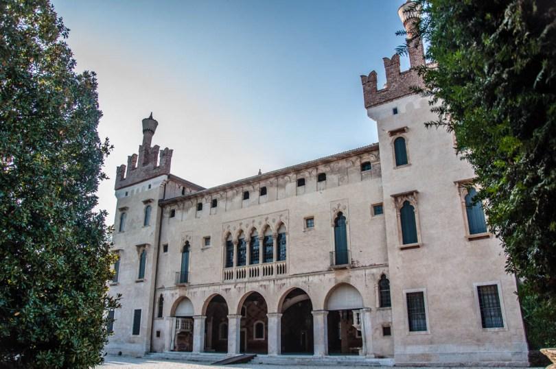 Thiene Castle - Thiene, Veneto, Italy - rossiwrites.com