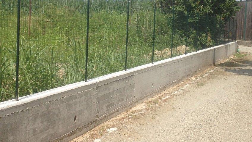 Recinzioni Per Giardino In Cemento.Muretto Di Recinzione Rosso Service Ivrea