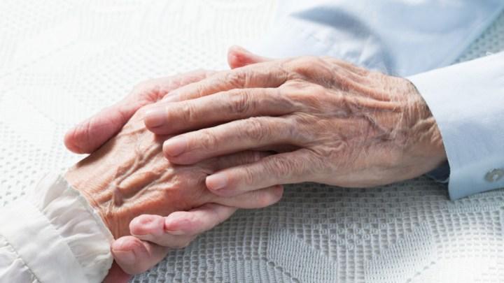 Proponen castigar hasta con cinco años de cárcel a quienes abandonen a personas adultas mayores