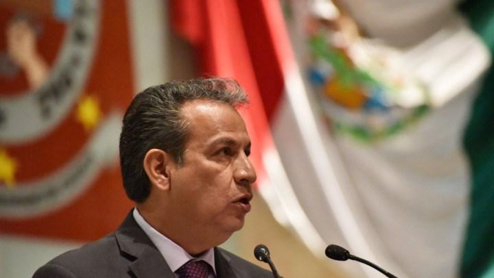 Presenta Gerardo Henestroza adiciones al Código Civil de Oaxaca para garantizar la subsistencia de los hijos