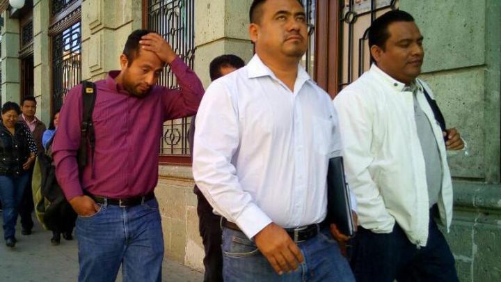 Maestros nuevamente cancelan eventos del gobernador Alejandro Murat