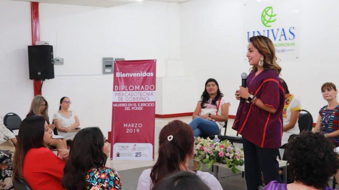 Clausuran Diplomado «Mujeres en el ejercicio del poder»